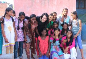 Катя Пешакова с индийцами