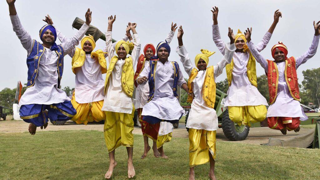 Бхангра танец мужской Пенджаб Индия