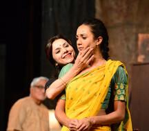 """Adhe Adhure"" - драма на языке хинди"